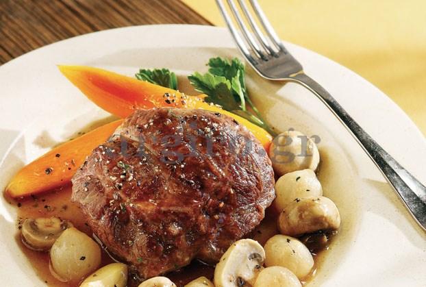 Μοσχάρι κατσαρόλας με λαχανικά και ελαφριά σάλτσα